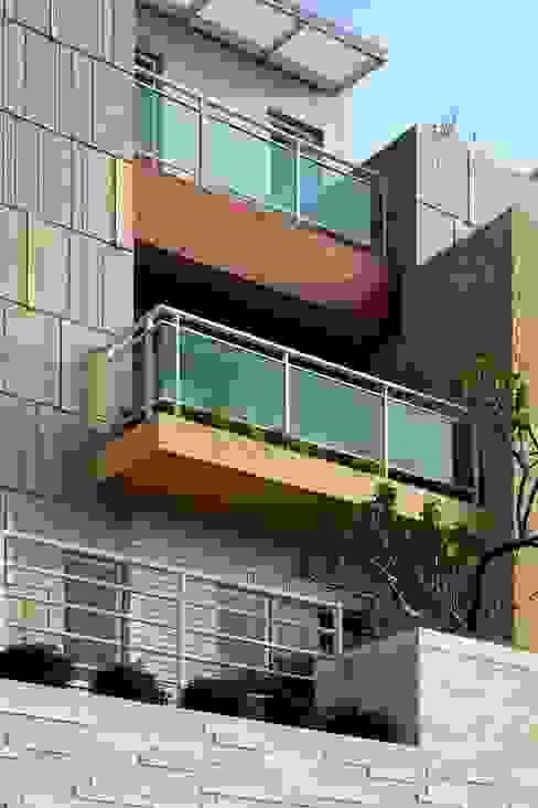 Houses by 大桓設計顧問有限公司