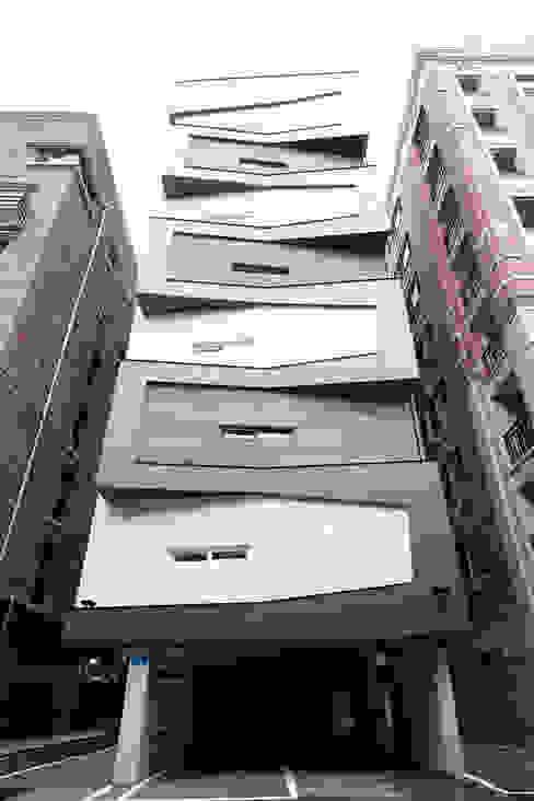Houses by 오파드 건축연구소