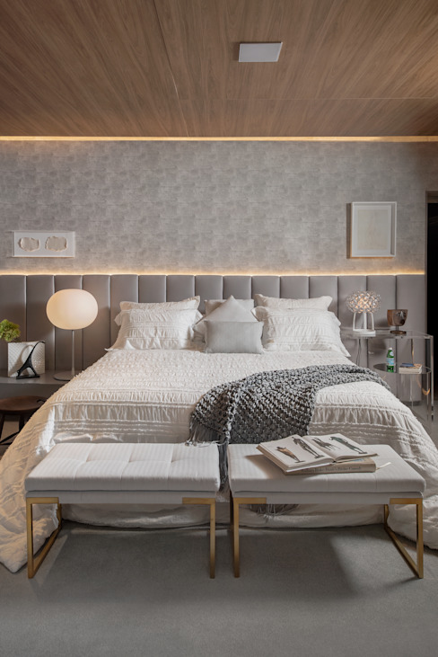 Refugio a dois / suite casal karen feldman arquitetos associados Quartos modernos Cinza