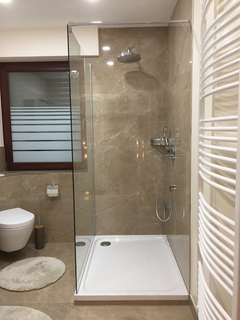 modernes Bad im Marmor Stil Mediterrane Badezimmer von LifeStyle Bäderstudio Mediterran