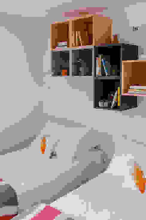 Remodelação total apartamento na Costa da Guia, Cascais por ARQ1to1 - Arquitectura, Interiores e Decoração Moderno