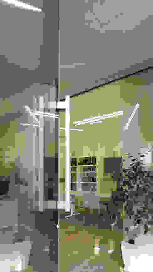 Oficinas y Tiendas de estilo  por Pamela Tranquilli Interior Designer , Minimalista