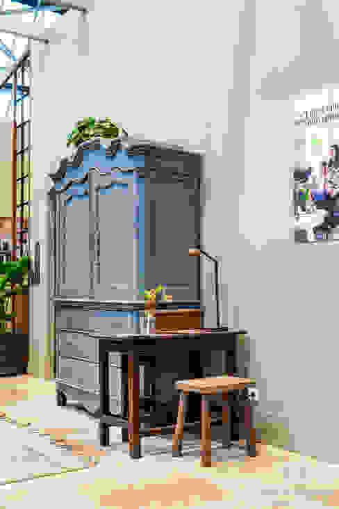 Licetto in de kleur Flannel Grey:  Woonkamer door Pure & Original,