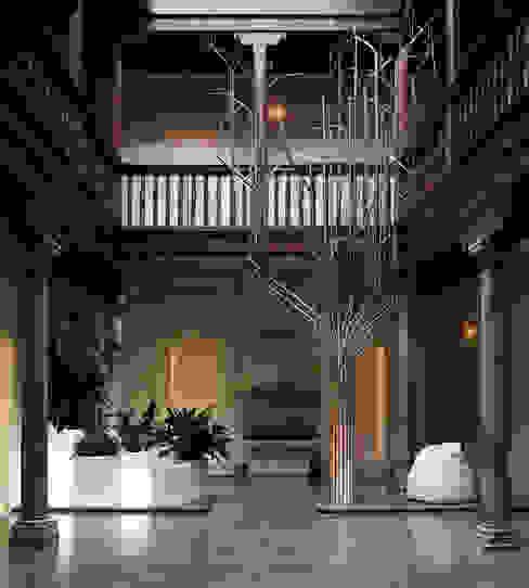 Arbol de los deseos. Waterscales Jardines de estilo minimalista Aluminio/Cinc Metálico/Plateado