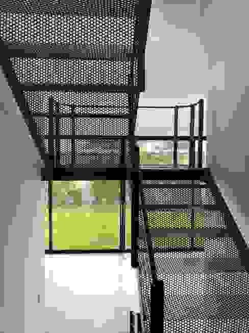 Escaleras ARC Arquitectos S.A. de C.V. Escaleras Metal Metálico/Plateado