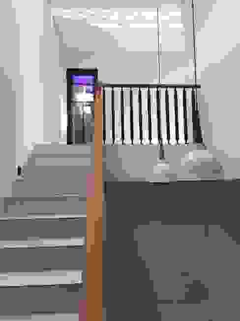 rumah antapani J12 bandung indra firmansyah architects Tangga
