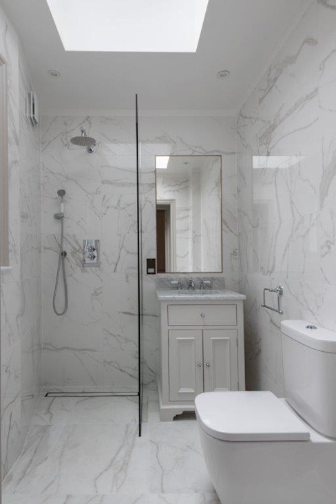 Knightsbridge Townhouse Classic style bathroom by Prestige Architects By Marco Braghiroli Classic