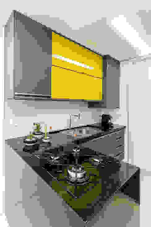 Cocinas de estilo moderno de Sônia Beltrão Arquitetura Moderno