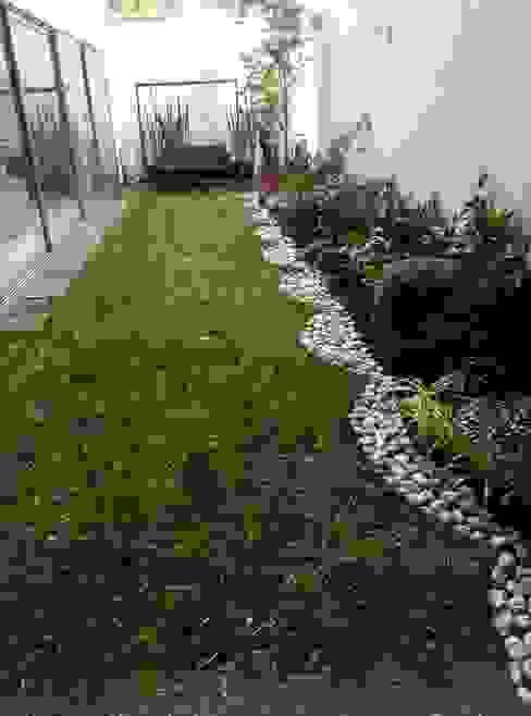 Proyecto Landscape: Jardines de estilo  por Grupo Viesa,