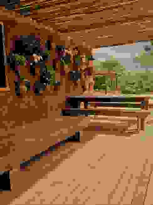 Cristina Szabo Designer de Bem-Estar Balkon Batu Bata Red