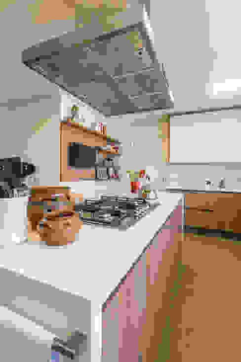 Gaveteiros da Ilha de Cozimento em MDF Lnormand Interiores CozinhaArmários e estantes MDF Efeito de madeira