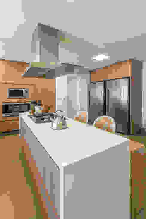 Eletrodomésticos em aço inox Lnormand Interiores CozinhaEletrônicos Ferro/Aço Metalizado/Prateado