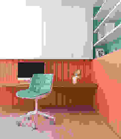Pragma - Diseño Modern offices & stores Wood Pink