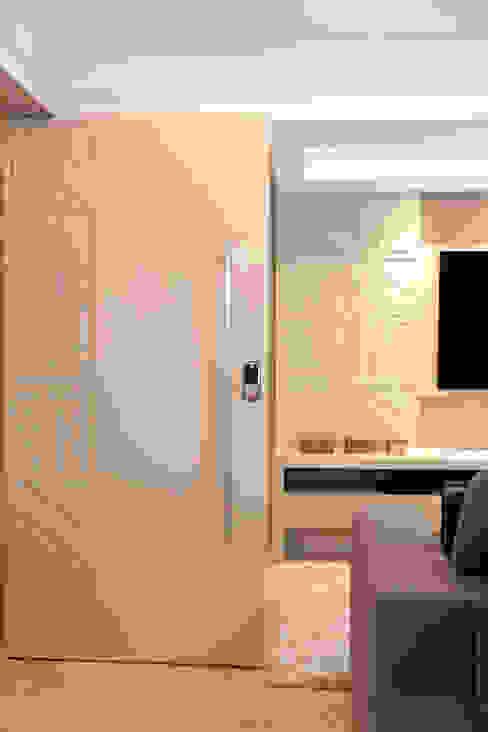 Haus Brasil Arquitetura e Interiores Дверi