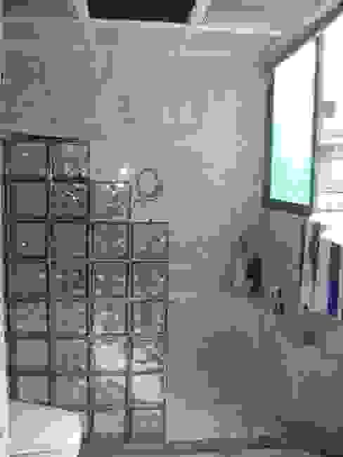 Antes y Despúes Remodelación de Baño Baños modernos de VIVE arquitectura Moderno