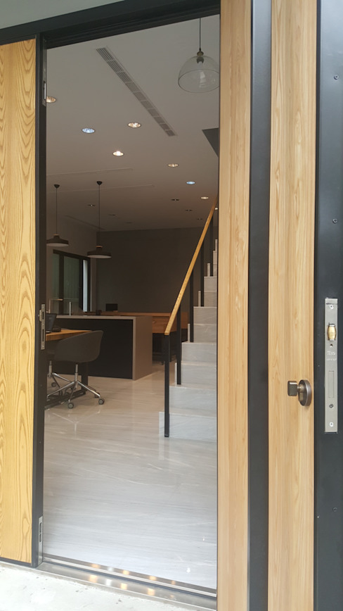 老舊辦公室變身極簡現代風 XY DESIGN - XY 設計 辦公空間與店舖