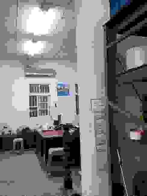 老舊辦公室變身極簡現代風 XY DESIGN - XY 設計