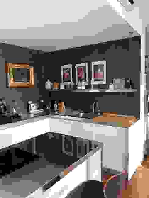 Cocinas de estilo moderno de SteellArt Moderno Hierro/Acero