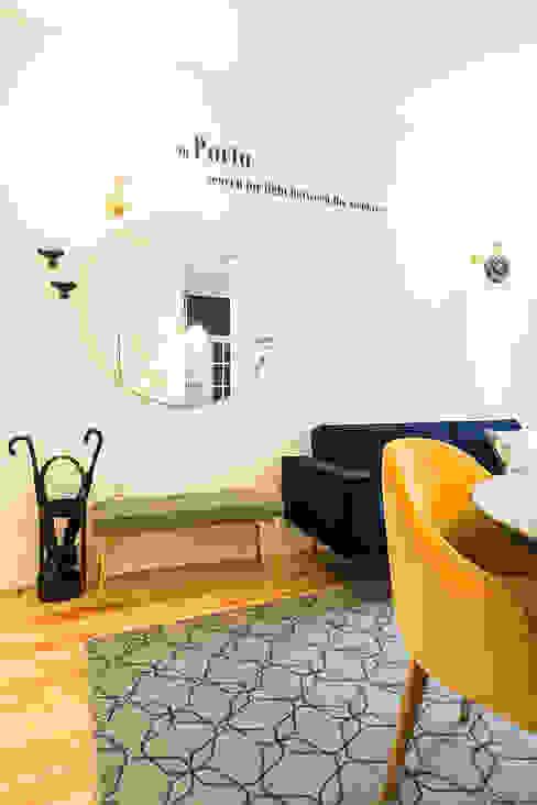 Sala de estar - Janelas de S. Bento, Porto - SHI Studio Interior Design Salas de estar escandinavas por SHI Studio, Sheila Moura Azevedo Interior Design Escandinavo