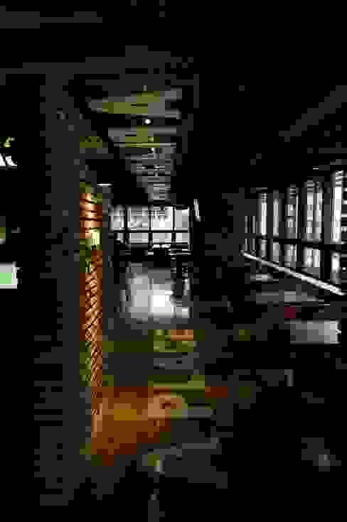 AVANT DESIGN GROUP Bars & clubs