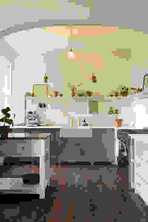 An Edwardian Villa in Cardiff deVOL Kitchens Кухня Синій