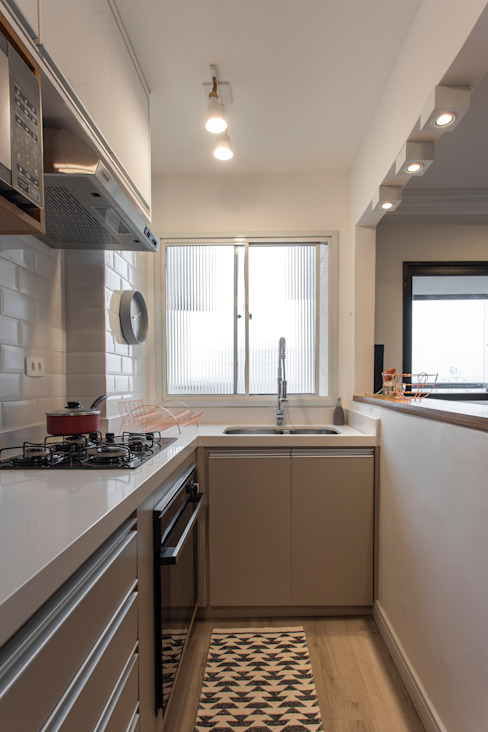 Kitchen units by Studio Elã