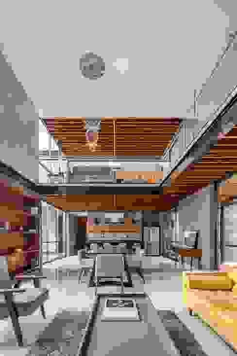 置入式廚房 by Apaloosa Estudio de Arquitectura y Diseño