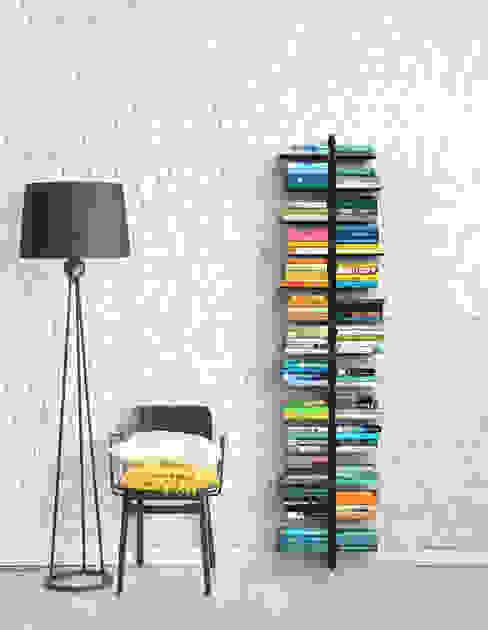 Libreria a parete in legno tinto nero Zia Bice Le zie di Milano Ingresso, Corridoio & ScaleCassettiere & Scaffali Legno massello Nero