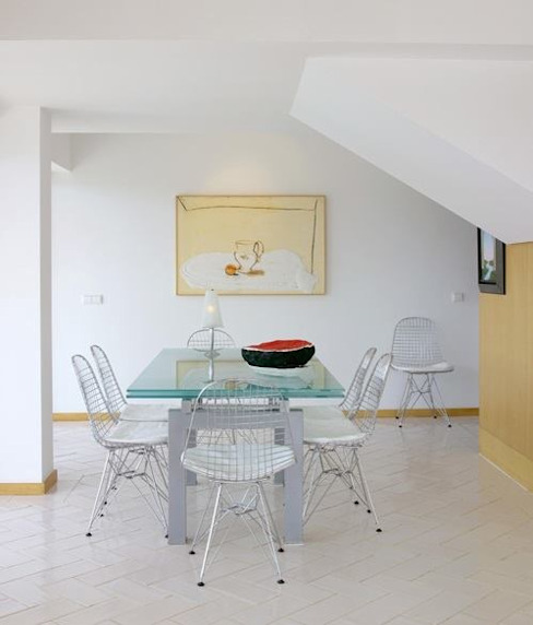 Dining room by IN PACTO, Modern