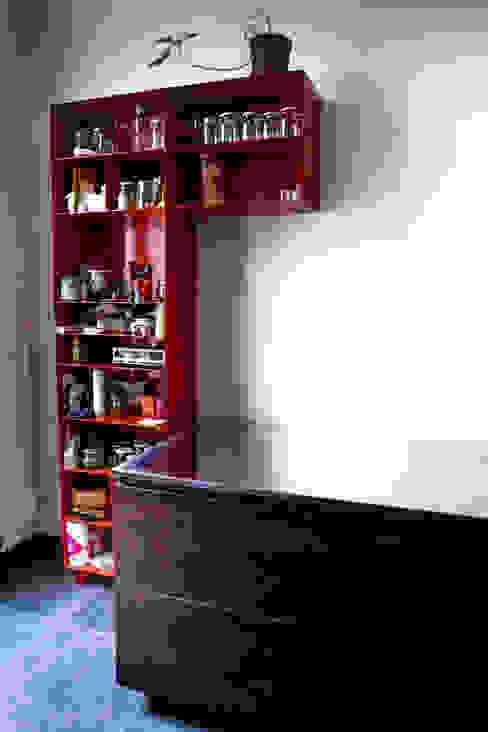 Cucina a Bruxelles: Cucina in stile  di SteellArt , Moderno