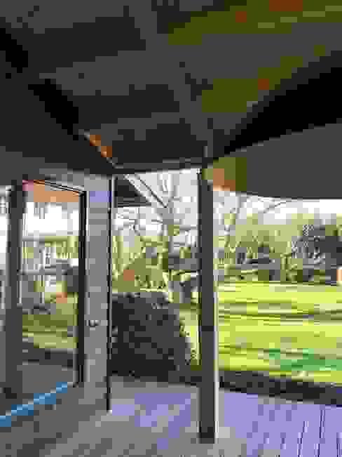 Loungehoek Landelijke balkons, veranda's en terrassen van MEF Architect Landelijk Hout Hout