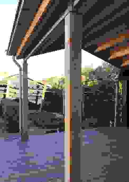 Loungehoek MEF Architect Landelijke balkons, veranda's en terrassen Hout Zwart
