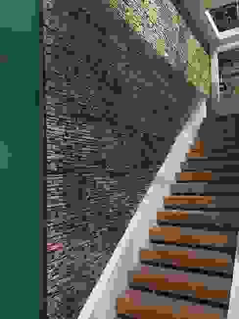 EL CÉSAR DISEÑO EN ACABADOS Y DECORACIÓN Escalier Pierre Beige