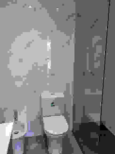 Casa de Banho por Grupo Prummo Moderno