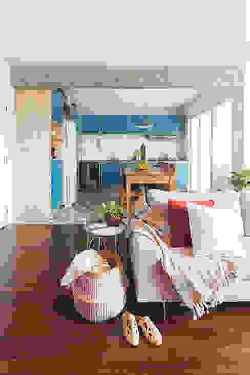 INÁ Arquitetura Salas de estar minimalistas Azul