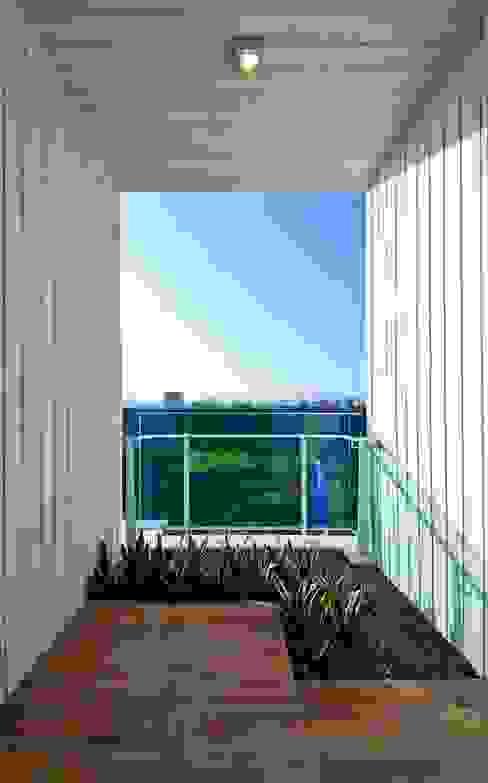 景觀設計   白色方盒建築 根據 大桓設計顧問有限公司 現代風