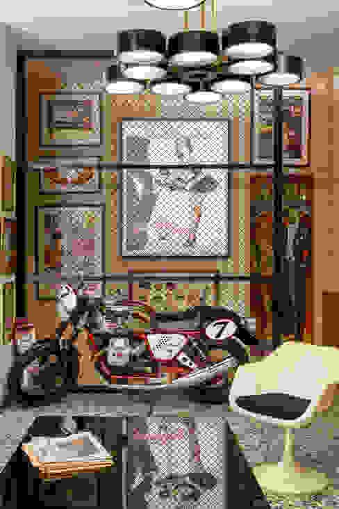 Guille Garcia-Hoz, interiorismo y reformas en Madrid Klassieke winkelruimten IJzer / Staal Bont