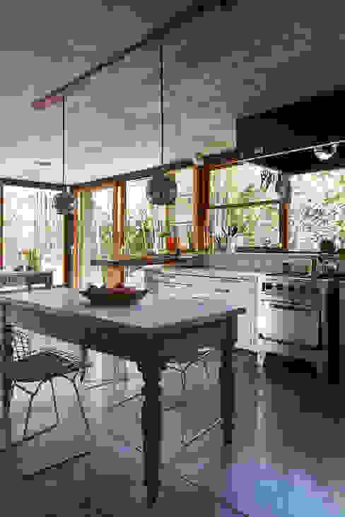 CASA OLIVOS: Cocinas de estilo  por STICOTTI,Minimalista