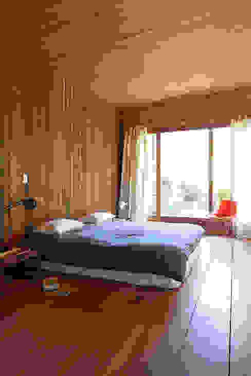 Dormitorios de estilo minimalista de STICOTTI Minimalista