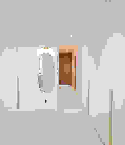 송도 퍼스트월드 골드포인트 모던하우스: 디자인 아버의  드레스 룸