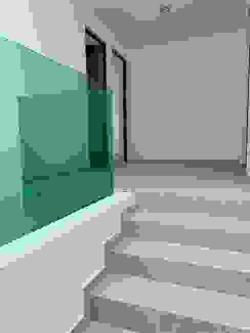 樓梯 by D&C Hogar
