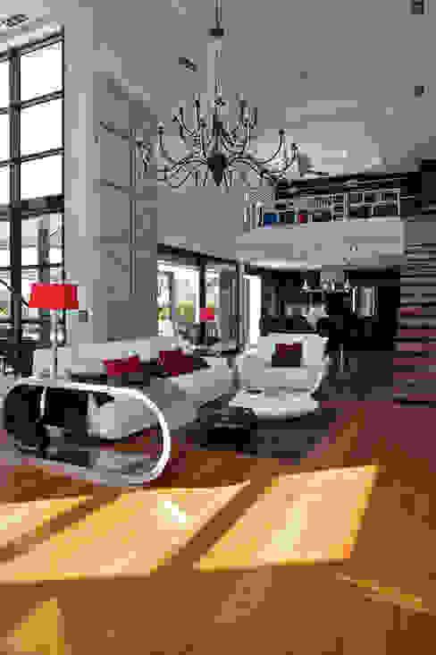 Proyecto de diseño y decoración de una villa por Estatiba Construcción Salones de estilo moderno de Estatiba construcción, decoración y reformas en Ibiza y Valencia Moderno