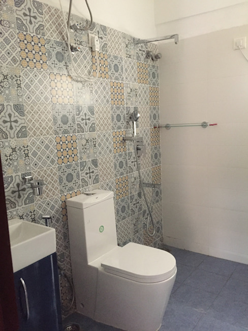 Renovation @Purva sunshine Classic style bathroom by Renovart Classic