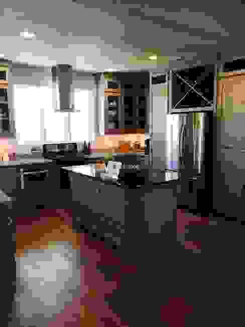 Model Home Sable Creek,Texas Ground 11 Architects Modern kitchen