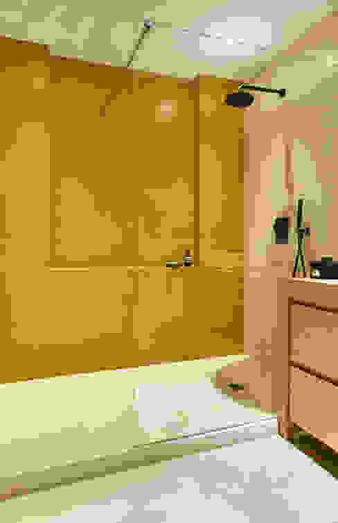 BETON2 現代浴室設計點子、靈感&圖片 水泥 Yellow