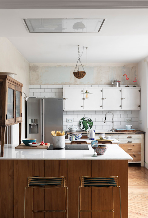 Diseño y decoración de un salón moderno en Madrid: Cocinas integrales de estilo  de Guille Garcia-Hoz, interiorismo y reformas en Madrid,