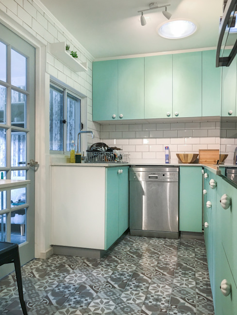 Cocina Vintage Estudio Arquitectura y construccion PR/ Remodelaciones y Diseño de interiores / Santiago, Rancagua y Viña del mar Cocinas pequeñas Verde