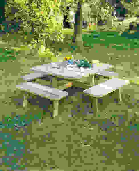 Tavolo da PICNIC QUADRATO in legno impregnato 228 x 228 cm sp.40 di ONLYWOOD Classico Legno Effetto legno