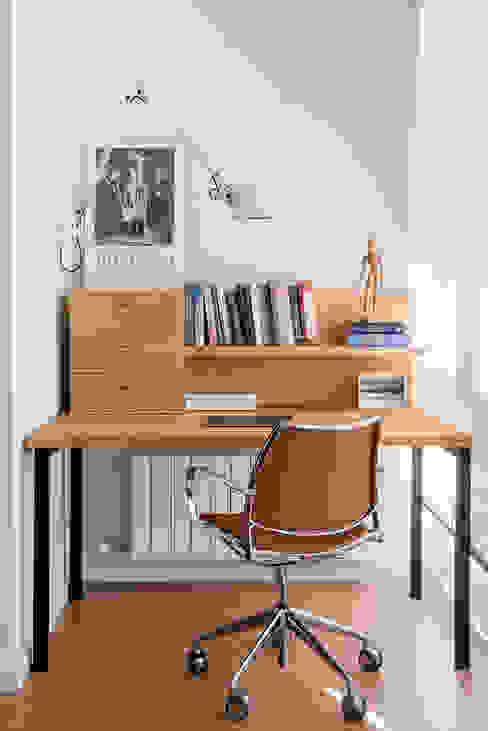 THE ROOM & CO interiorismo Phòng học/văn phòng phong cách hiện đại
