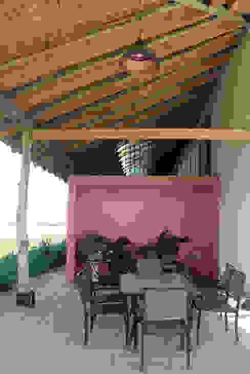Colonial style balcony, veranda & terrace by ALIWEN arquitectura & construcción sustentable - Santiago Colonial